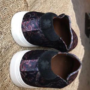 Lucky Brand Shoes - Lucky Brand velvet loafers size 10   EUC blue